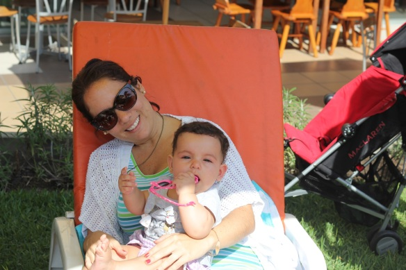 Valentina y mamá en el club
