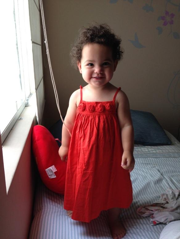 Valentina y su vestido rojo