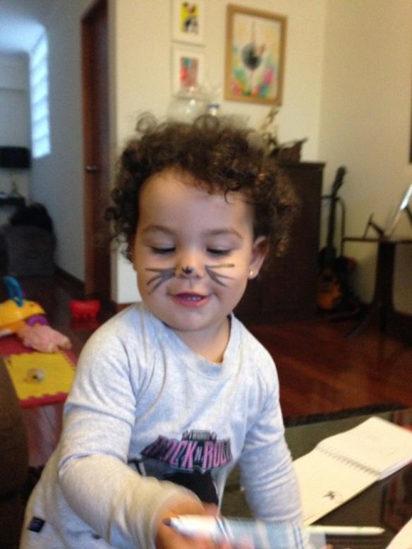 Valentina con bigotes