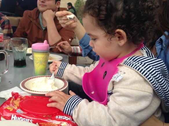 Valentina come helado