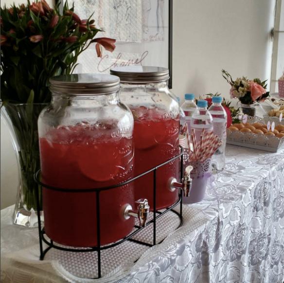 dispensadores de limonada rosada