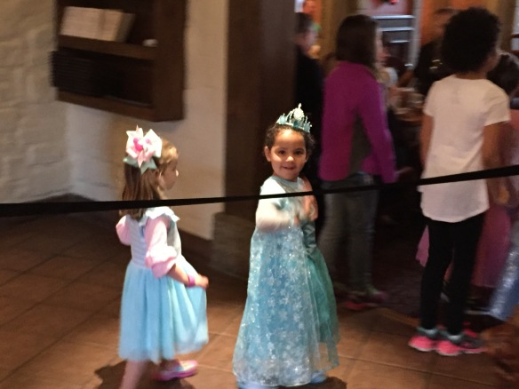 Valentina con princesas