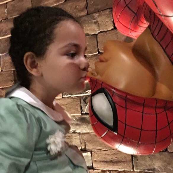 Valentina y Spiderman