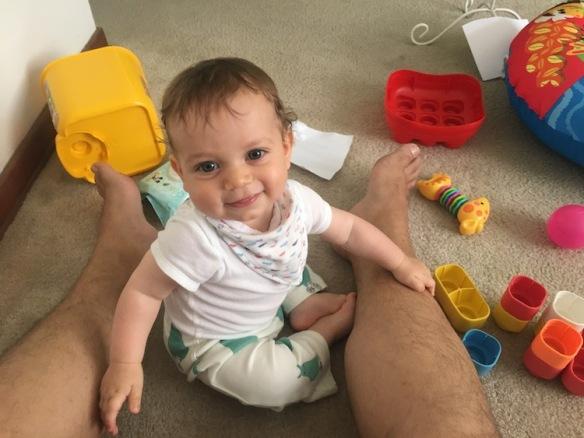 Sebastian Jugando entre mis piernas